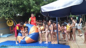 RECREAÇÃO NA PISCINA